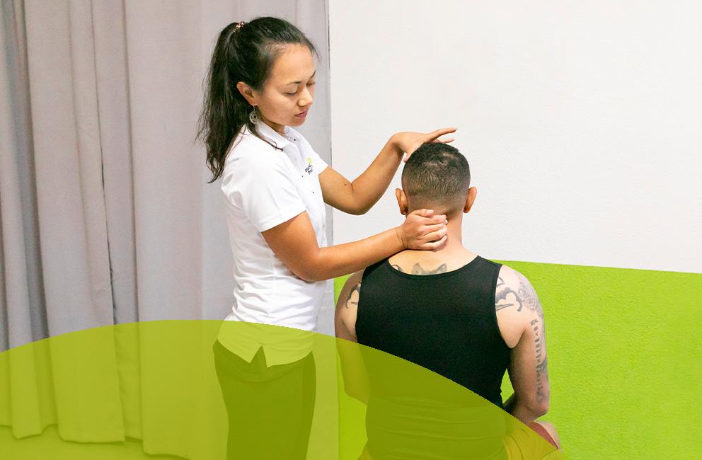 Therapie nach Dorn und Breuss